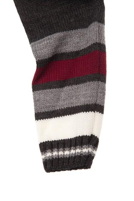 sweterek na zamku megajunior_1